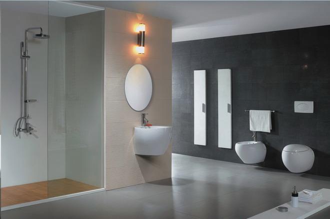 陶瓷洗脸盆是卫生间的基本组成部分,也是使用频率最高的卫生洁具。洗脸、刷牙、洗手及一些经常性的洗漱都要用它,卫生间要装修得实用、美观,对陶瓷洗脸盆的处理十分关键。     空间决定形式。家居陶瓷洗脸盆大致分成独立式和台式两种。独立式的造型美观、占地面积小,并便于维修,适合空间不大的卫生间。但它需要配备镜箱或盥洗 架,以便利用池子上方的空间摆放一些洗漱用具及化妆品等。台式洗脸盆至少要占据一张小课桌的空间。它的台面上可放洗漱用具,下面的柜子还能放杂物。如果卫 生间面积不大,可以考虑在墙角安装一种三角形的陶瓷脸盆